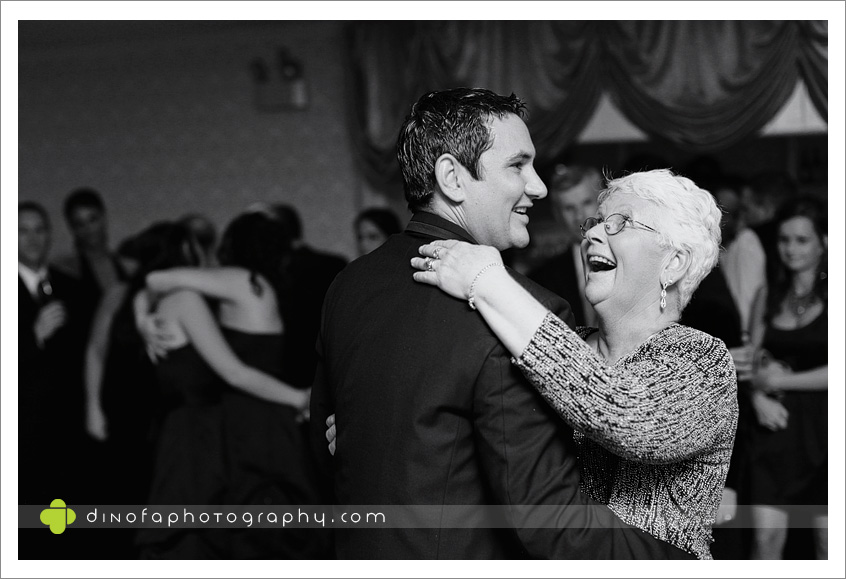 NJ Wedding Photographer as the ball drops | dana+dan