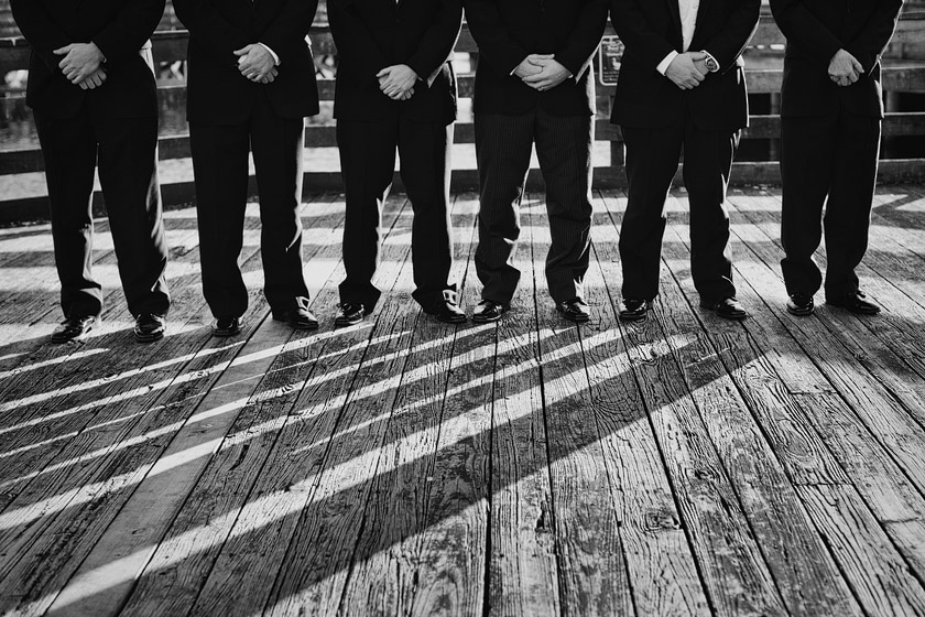 creative groomsmen photo floating dreams | abby+erik